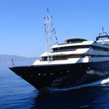 Turama Yacht Running Shot