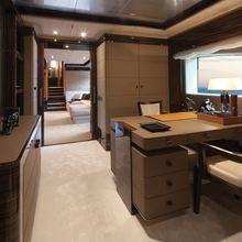 Vision Yacht Master Desk
