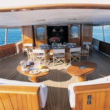 Arriva Yacht Exterior Seating
