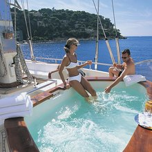 Atmosphere Yacht Jacuzzi