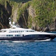 4YOU Yacht Running Shot