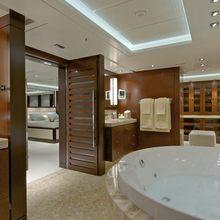 Huntress Yacht VIP Bathroom