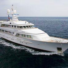 Genesia Yacht Running Shot