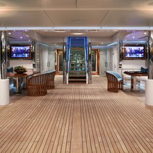 Lightning Yacht Deck 2