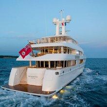 Huntress Yacht Stern