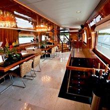 Zenith Yacht Dining