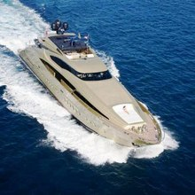 Hokulani Yacht Running Shot - Front View