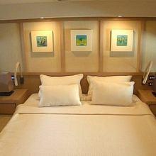 Thalaris Yacht