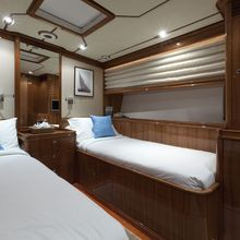 Seabiscuit Yacht Twin cabin