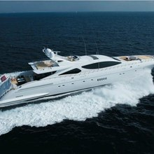Force India Yacht Running