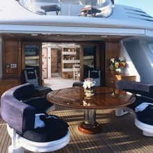 Lady M II Yacht Exterior Seating