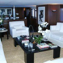 Tugatsu Yacht Main Salon