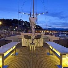 Infinity Yacht Flybridge - Night