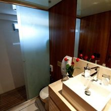 Zenith Yacht Bathroom - Detail