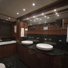 Barracuda Red Sea Yacht Master Bathroom