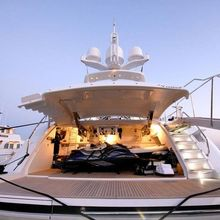 Pure One Yacht