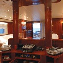 Ariete Primo Yacht Upper Deck Salon