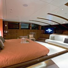 Dragonfly Yacht Master Stateroom - Seating