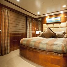 BB Yacht Guest Queen Stateroom