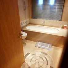 N.M.N Yacht Master Bath