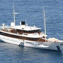 Arriva Yacht Forward View