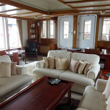Elsa Yacht Main Saloon - Seating