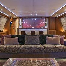 Bagheera Yacht Saloon - Overview