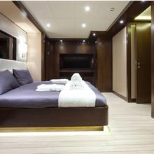 Infinity Yacht Guest Stateroom
