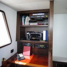 Lora Yacht