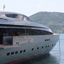 Monokini Yacht