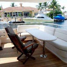 B Hive Yacht
