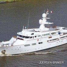 Um Hurair Yacht
