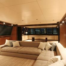 Infinity Yacht Skylounge - Night