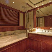 Norfolk Star Yacht Bathroom