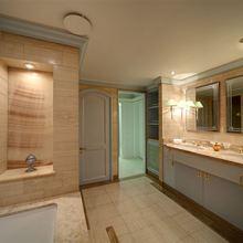 Al Mabrukah Yacht Bathroom