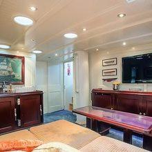 Reesle Yacht