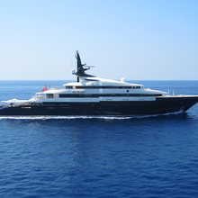 Seven Seas Yacht Running Shot - Profile