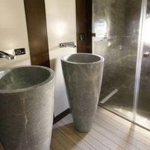 Infinity Yacht Guest Bathroom - Detal