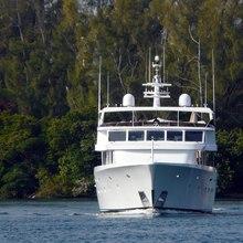 Cachée Yacht