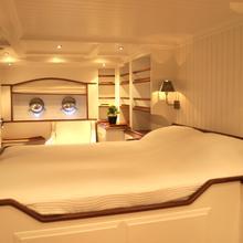 Xamura Yacht