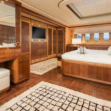 Mrs Grey Yacht