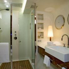 Dragonfly Yacht Guest Bathroom