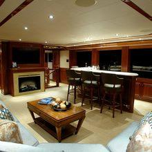 Nina Lu Yacht Salon - Fireplace