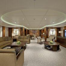 Huntress Yacht Main Deck Salon - Stern