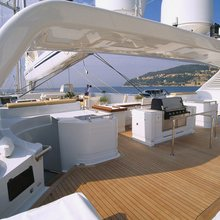 M5 Yacht Deck - BBQ