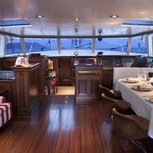 Koo Yacht Upper Salon & Dining
