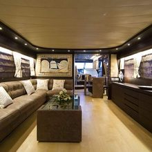 Ma & Ma Yacht