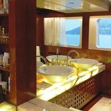 Ariete Primo Yacht Master Bathroom