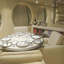 Lady Arraya Yacht Dining Table