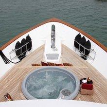 Empire Sea Yacht Jacuzzi
